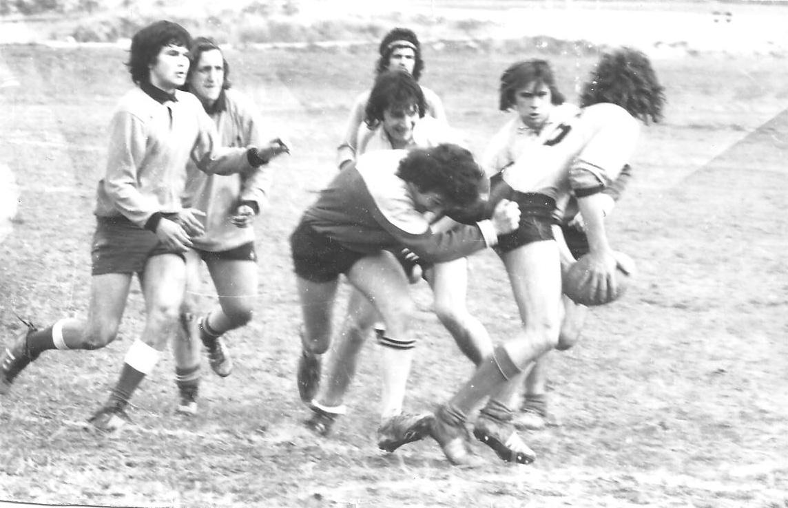 Valabre 13 mars 1974 match contre Vallabre. Michaud à la balle il va se faire plaquer, derrière moi et Alfonsi, au fond Mickey