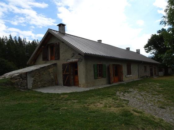 Mikéou : les petites montagnes Domeny (Berthalon) et Guieu elles aussi rénovées. L'aspect extérieur a peu changé.