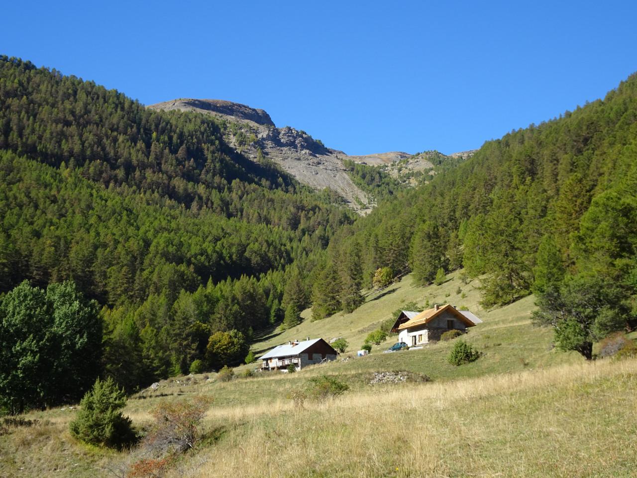 dsc05041 Le hameau des petites montagnes de Bouffard.