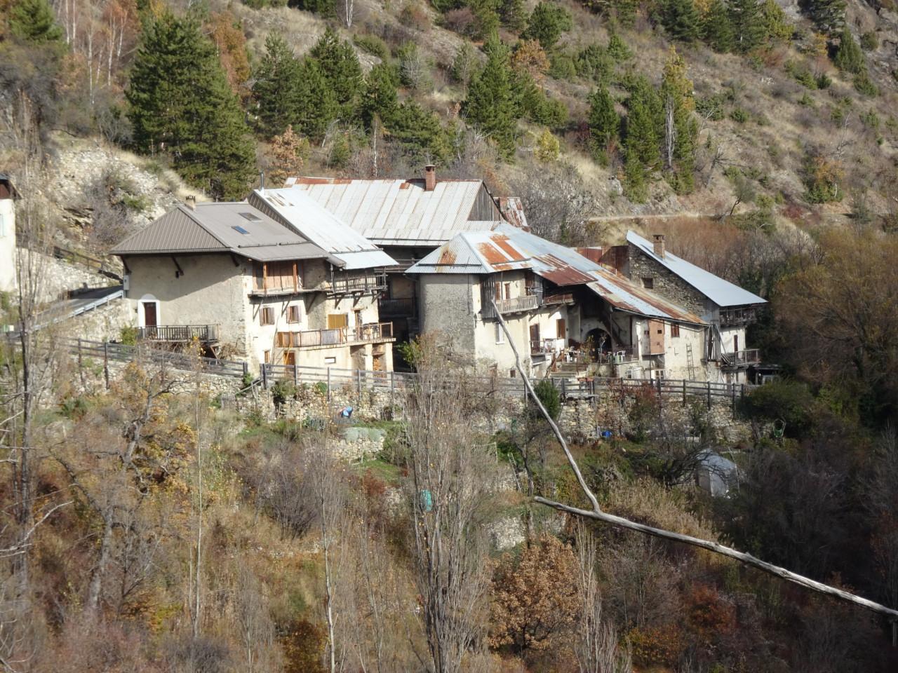 Les Moulinets bas, hameau le plus conforme à la tradition pastorale.