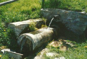 En 1995 l'eau arrive enfin au hameau du Clot. (Ph.Escoffier)
