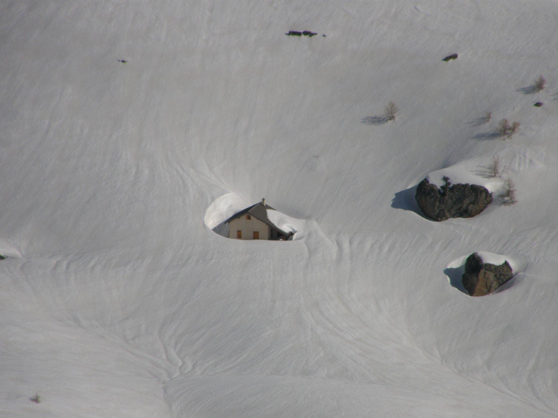 La cabane de l'Alp l'hiver.