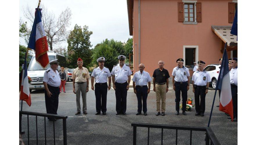 Photos des membres des amicales et des représentants de la municipalité