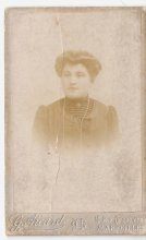 Louise Muraille (Marie Louise née Rivial) épouse de Louis recevra plus de 200 lettres de son mari, qui blessé à plusieurs reprises survivra à cette guerre. En les conservant elle nous laisse une source d'informations précieuses et rares.
